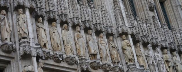 dentelles des façades ou vraies dentelles