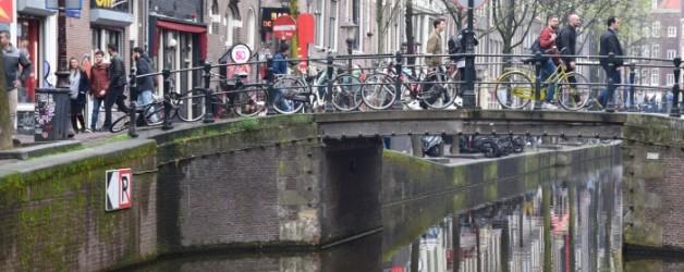 en balade à Amsterdam: le quartier rouge de jour