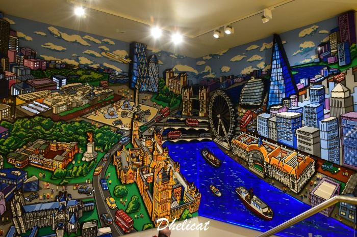 Lego london store in leicester square 2 dhelicat - Boutique lego londres ...