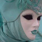 en turquoise pour nous séduire